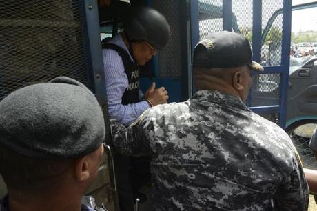Jueza dicta 1 año de prisión preventiva contra Manuel Rivas.