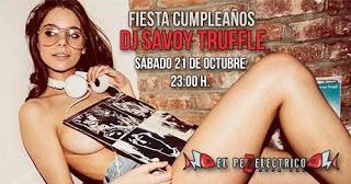 Pinchada sideral de fiesta de cumpleaños de Dj Savoy Truffle en el Pez Eléctrico