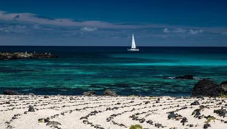 12 Playas De Lanzarote Recomendadas Para Un Verano Perfecto