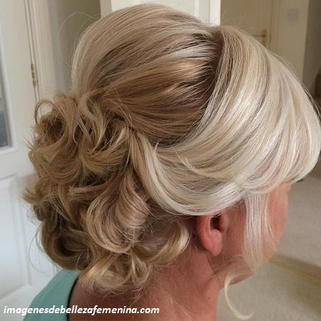 peinados para señoras mayores para una boda moño