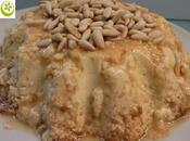 Flan queso, miel piñones