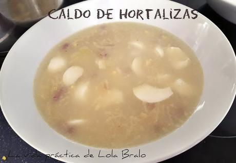 CALDO DE VERDURA CON JAMÓN Y HUEVO