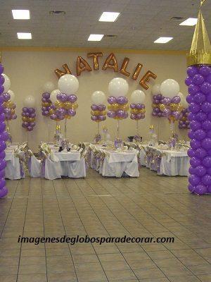 decoracion de salon para fiestas de 15 años con globos helio