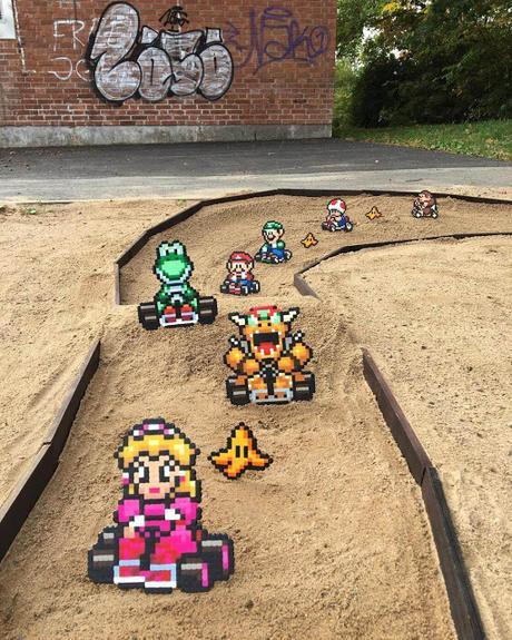 Entre la realidad y los vídeo juegos una divertida creación pixelada para fanáticos de los 90's