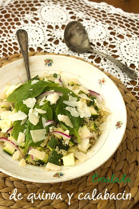 Ensalada de quinoa, calabacin y parmesano
