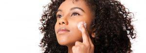 Manteca de karité para manchas oscuras en la cara y para blanquear la piel: ¿funciona?