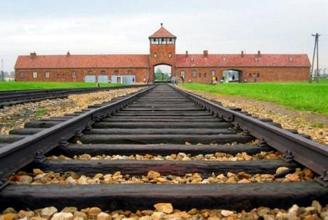 [Pensamiento] ¿Cómo pudo ocurrir Auschwitz?
