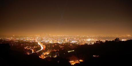 Cada año el planeta es más brillante en extensión e intensidad. La contaminación lumínica crece sin freno en todo el mundo