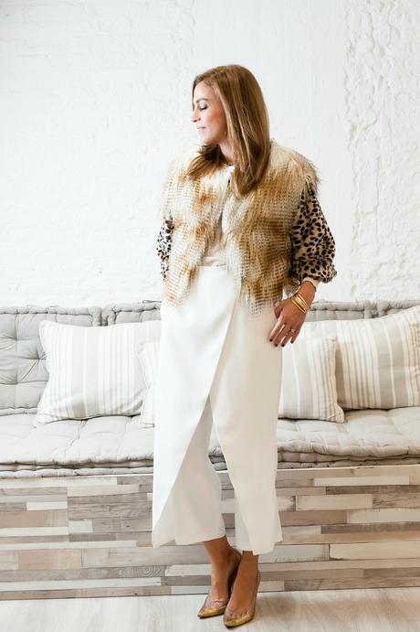 abrigo de pelo y falda pantalón midi