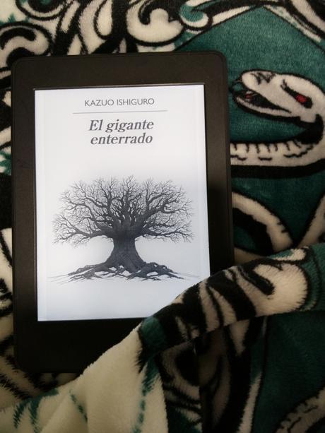 """""""El gigante enterrado"""" de Kazuo Ishiguro: un libro reflexivo disfrazado de viaje de aventuras"""