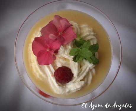 sopa de chocolate blanco, crema de lima