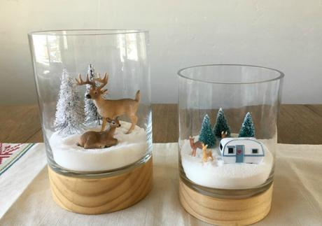 http://www.kemleydesign.com/diy-mini-christmas-terrariums/