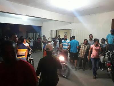 Profesor Papucho, entre heridos en accidente en Neiba.