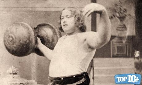 Louis Cyr-entre-los-hombres-mas-fuertes-del-mundo