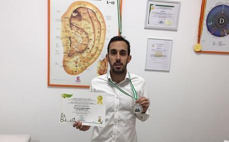 Juan Jesús Delgado recibe una Mención Especial en el XXI Congreso Andaluz de Naturopatía