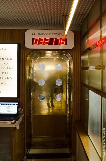 Taberna Pedraza  Madrid contador tortillas cocina española