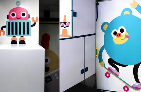 Estas ambulancias infantiles han sido decoradas con bonitas ilustraciones para darles un toque positivo