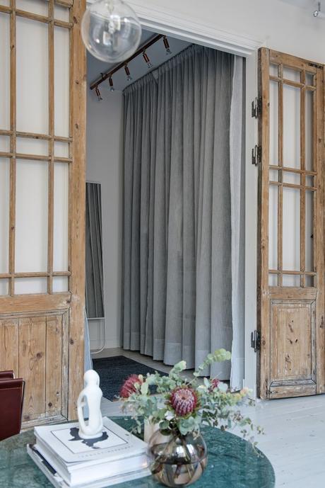 piso sueco moderno ático estilo nórdico estilo escandinavo decoración pisos pequeños decoración áticos decoración antigüedades