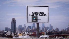 Las tabacaleras de los EE. UU. Se ven obligadas a publicar avisos admitiendo que los cigarrillos son adictivos y que el tabaco mata