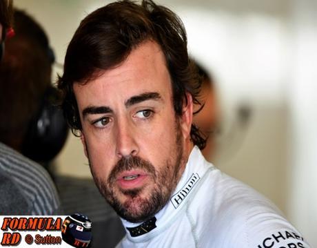 Fernando Alonso choca durante el primer día de test en Post-GP de Abu Dhabi