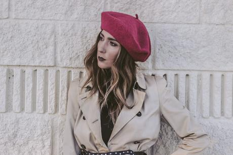 TRENCH+ RED BERET