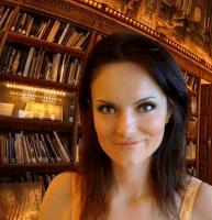 Reseña: Amores al viento | Mona Camuari
