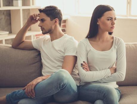 ¿Usted lo ve normal?: cómo evitar posicionarse en terapia de pareja