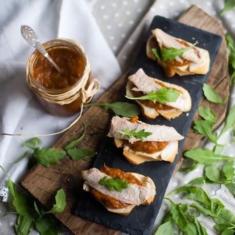 tosta-piperrada-ventresca-rucula-crock-pot