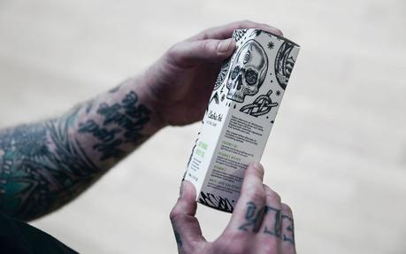 El packaging de esta marca de productos para pieles tatuadas es realmente genial