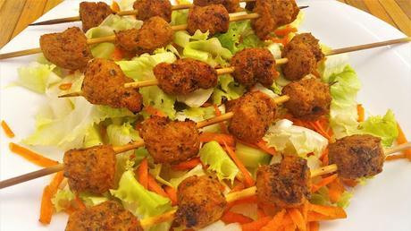 Brochetas de carne vegetal de soja souvlaki