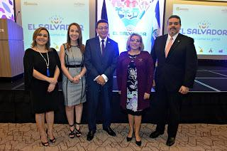 El Salvador lanza en República Dominicana marca país
