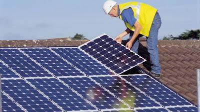 Bruselas quiere acabar con el impuesto al sol en España