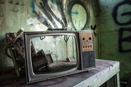 Merecemos una televisión pública que no esté llena de charlatanes