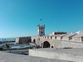 Y de pronto, el cielo de Cádiz se tiñó de rojo