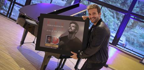 """[NOTA] Pablo Alborán recibe Disco de Oro en Chile con """"Prometo"""""""