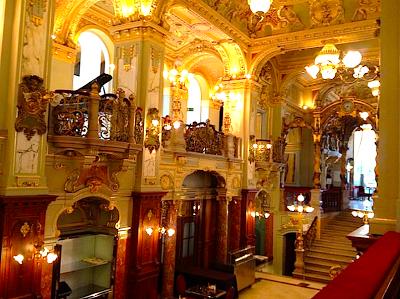 Viaje por bodegas y balnearios de Hungría (II) : 24 horas por la Budapest imperial