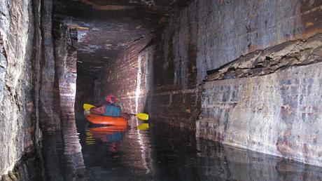 Misteriosas cuevas formadas por antiguos glaciares han sido descubiertas en Canadá