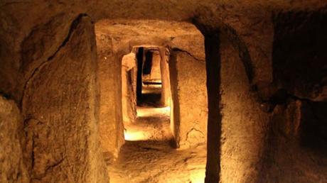 Nushabad esconde miles de secretos bajo tierra