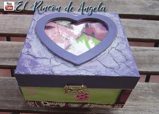 Caja de madera decorada con pasta de craquelado