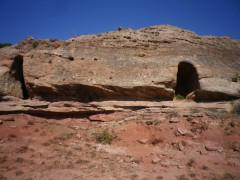 Ujados: cuevas de Peñagorda y la Puentecilla