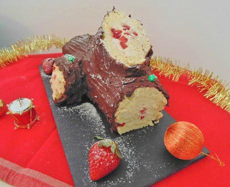 Tronco de navidad con fresas