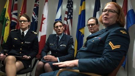 Jueza de #EEUU abre el camino para que personas #transgénero se enlisten en el #ejército (FOTO)