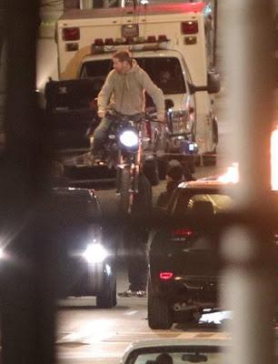 Eddie Brock en motocicleta en estas fotos desde el set de 'Venom'