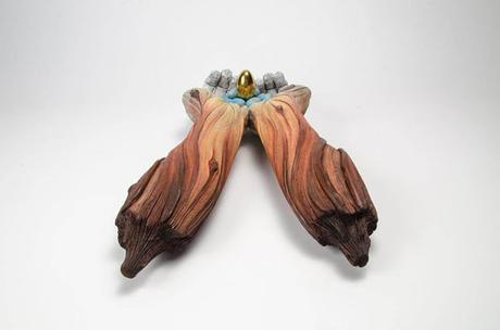 Christopher White, sus esculturas parecen madera pero son de ceamica