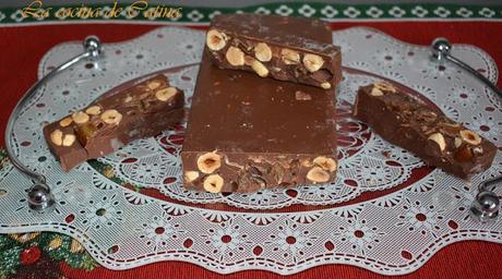 Turrón de chocolate, avellanas y dátiles