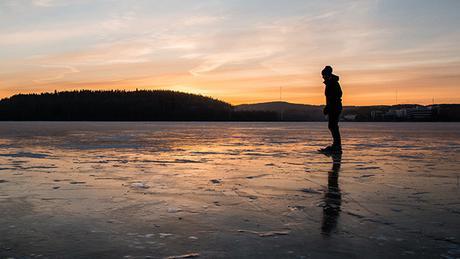 """Impresionante..!!! Esta mujer capta """"sonidos #extraterrestres"""" en un lago de Siberia #Ovnis #Alienigenas (VIDEO - AUDIO)"""