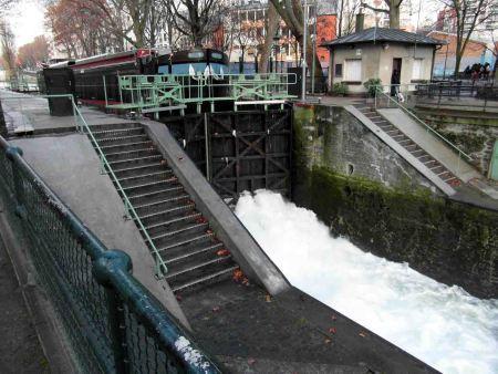 El preservado Canal de San Martín en París