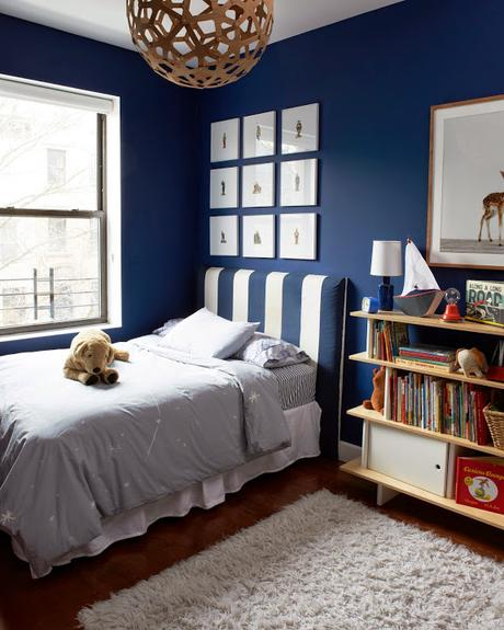 habitacion juvenil azul oscuro