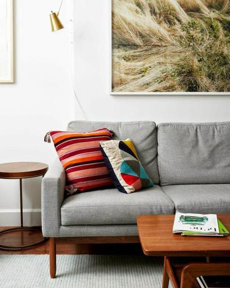 cuadro sobre el sofa