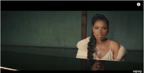 """Jennifer Hudson vuelve con su nuevo single """"Burden Down,"""" y el impactante vídeo de la canción dirigido por Sam Lecca."""